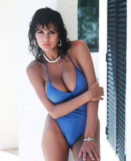 donna ewin free galleries and videos at ErosBerry