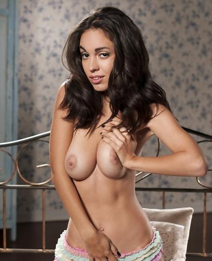 Nude brunette Helen H