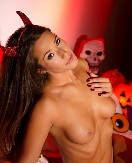 Eva Lovia red devil