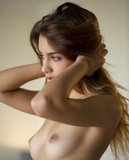Uma Jolie Erotic Gallery