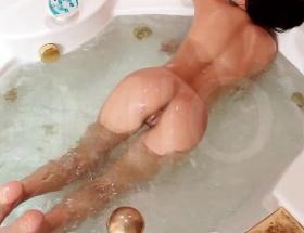 Sofi A wet ass