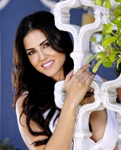 Sunny Leone Twistys Treat