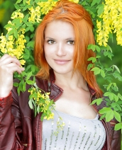 Redhead beautie Violla A