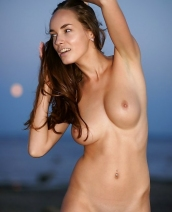 Super hot Milana F
