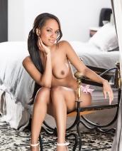 Amina Malakona sensual silhouette
