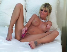 Jana Jordan pink dildo