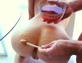 Dakota Skye honey dripped