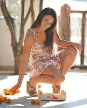 Orange queen Jennifer Nexus